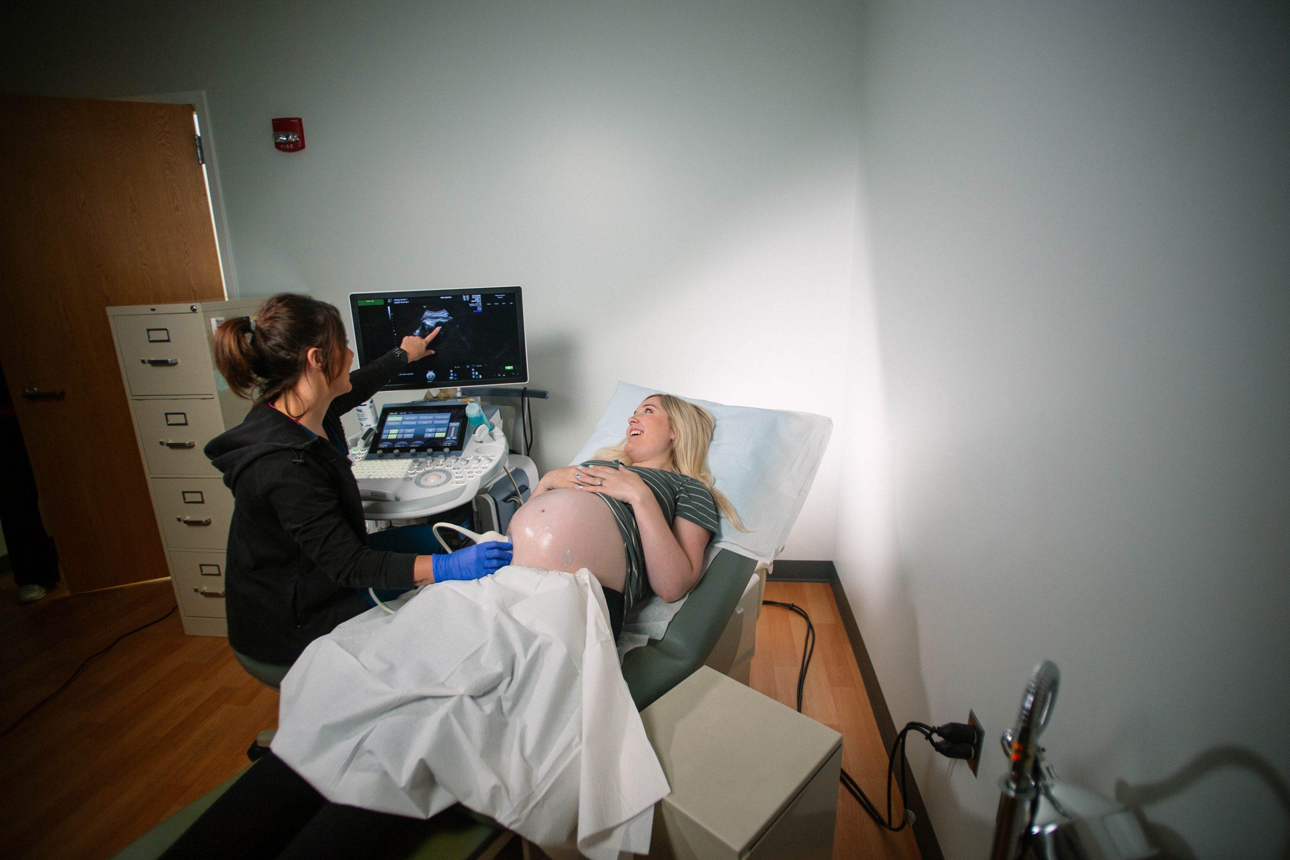 Pregnancy ultrasound in clinic